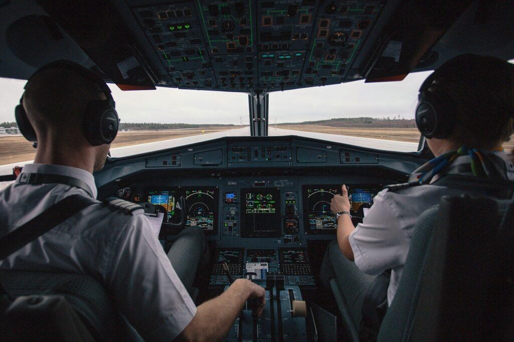 Biaya Sekolah Penerbangan Bandung